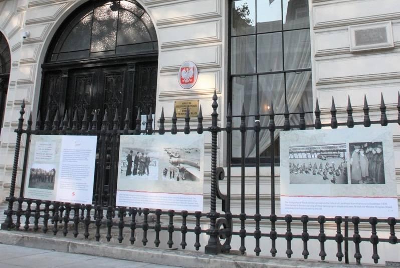 """SONDA """"Polish Express"""": Jak oceniacie pracę polskich placówek konsularnych w Wielkiej Brytanii?"""