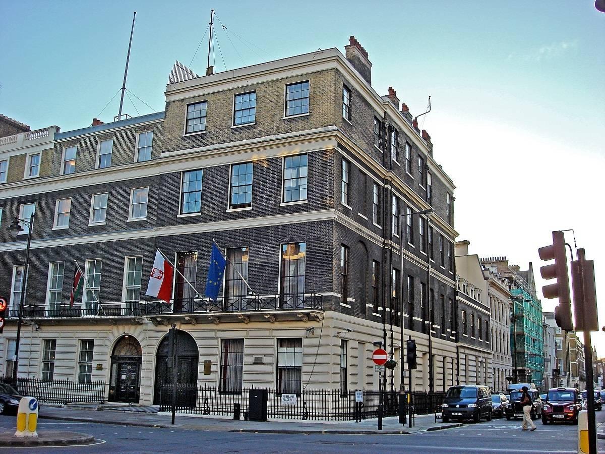 Ambasada i konsulaty w Wielkiej Brytanii - adres, dane kontaktowe i ważne informacje [PORADNIK]