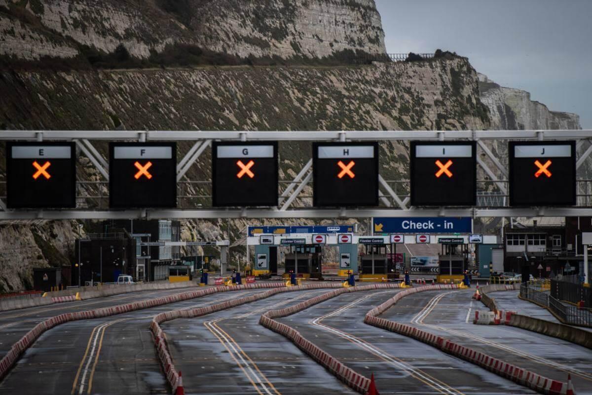 Granica UK zostanie zamknięta dla wszystkich obcokrajowców? Rząd rozważa tę opcję dla ochrony społeczeństwa przed nowymi mutacjami