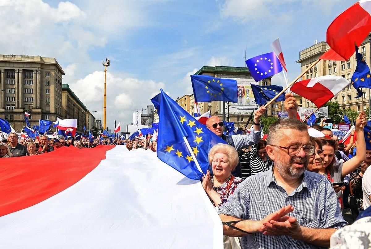 """Wyniki sondy """"Polish Express"""": Jak Polacy są oceniani przez Brytyjczyków?"""