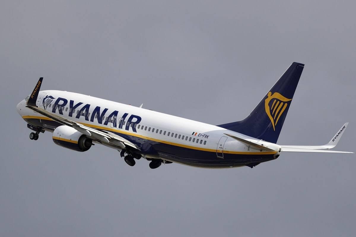 UK najpopularniejszym celem podróży Polaków w 2020 roku. Które miasta i linie lotnicze były wybierane najczęściej?