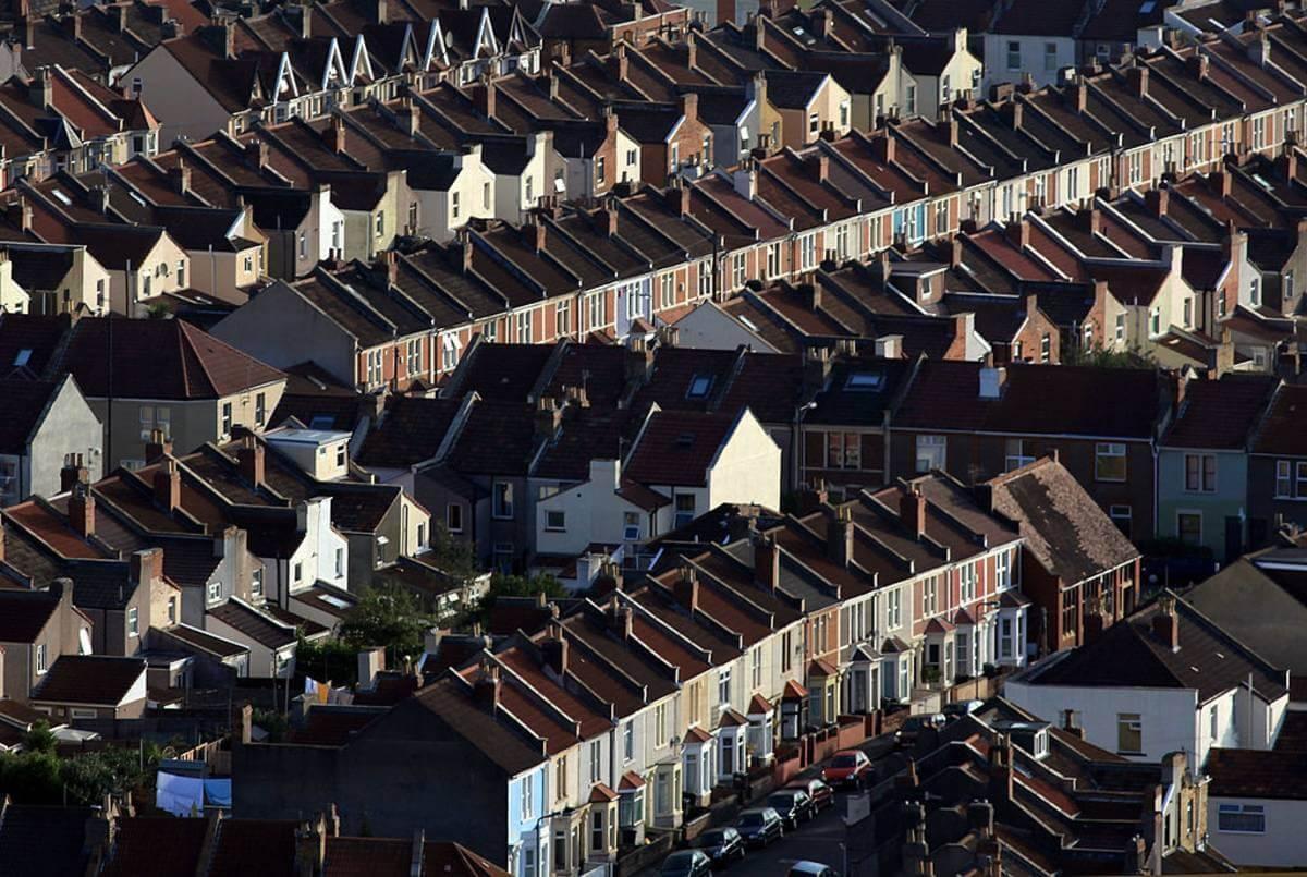 Councile w Anglii masowo podnoszą stawkę Council Tax. I jednocześnie nie wykluczają cięć w usługach lokalnych