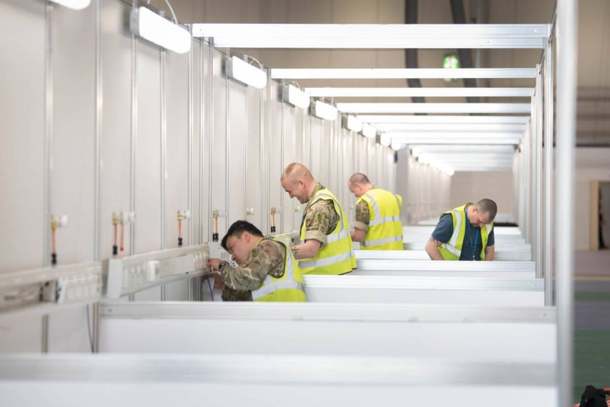 Najmniej zarabiający pracownicy w UK są też najbardziej narażeni na utratę pracy po zakończeniu programu FURLOUGH