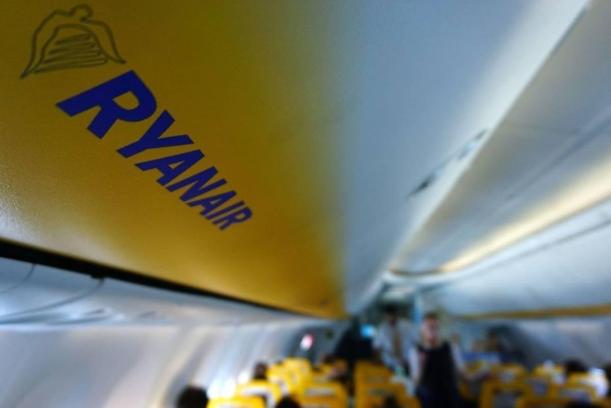 Kobieta była jedyną pasażerką na pokładzie Ryanaira lecącego do UK. Pozostali woleli poczekać na zmianę przepisów