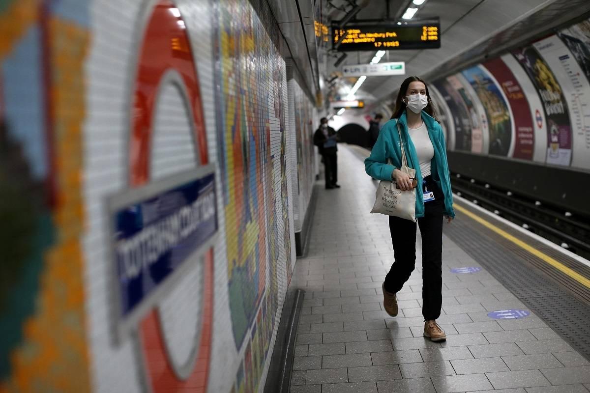 Ceny biletów komunikacji zbiorowej w Londynie w styczniu 2022 wzrosną nawet o 5 proc.