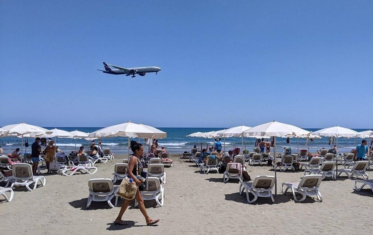 Oto 4 rzeczy, o których musisz pamiętać, lecąc na wakacje za granicę w tym roku