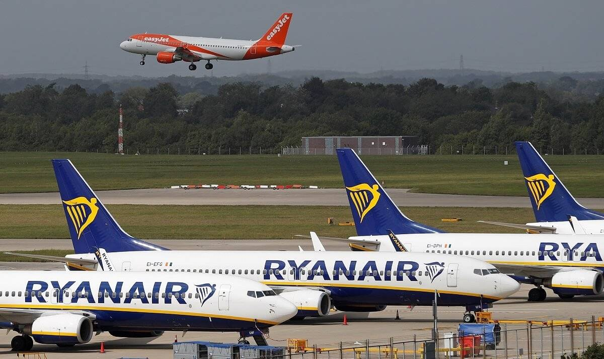Podróż pociągiem w UK jest droższa od podróży samolotem, chociaż bardziej ekologiczna – pokazały analizy