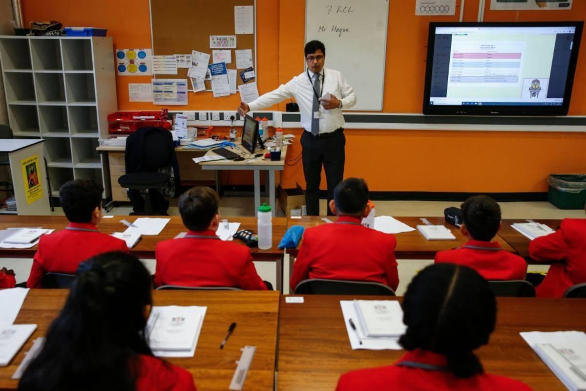 Z powodu rosnącej liczby zakażeń ponad milion dzieci w Anglii nie poszło w zeszłym tygodniu do szkoły