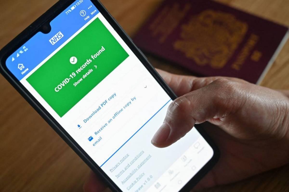 """""""Pingdemic"""" – narasta chaos w związku z użyciem Covid-19 NHS App. Zagrożone są m.in. dostawy żywności i odbiór śmieci"""