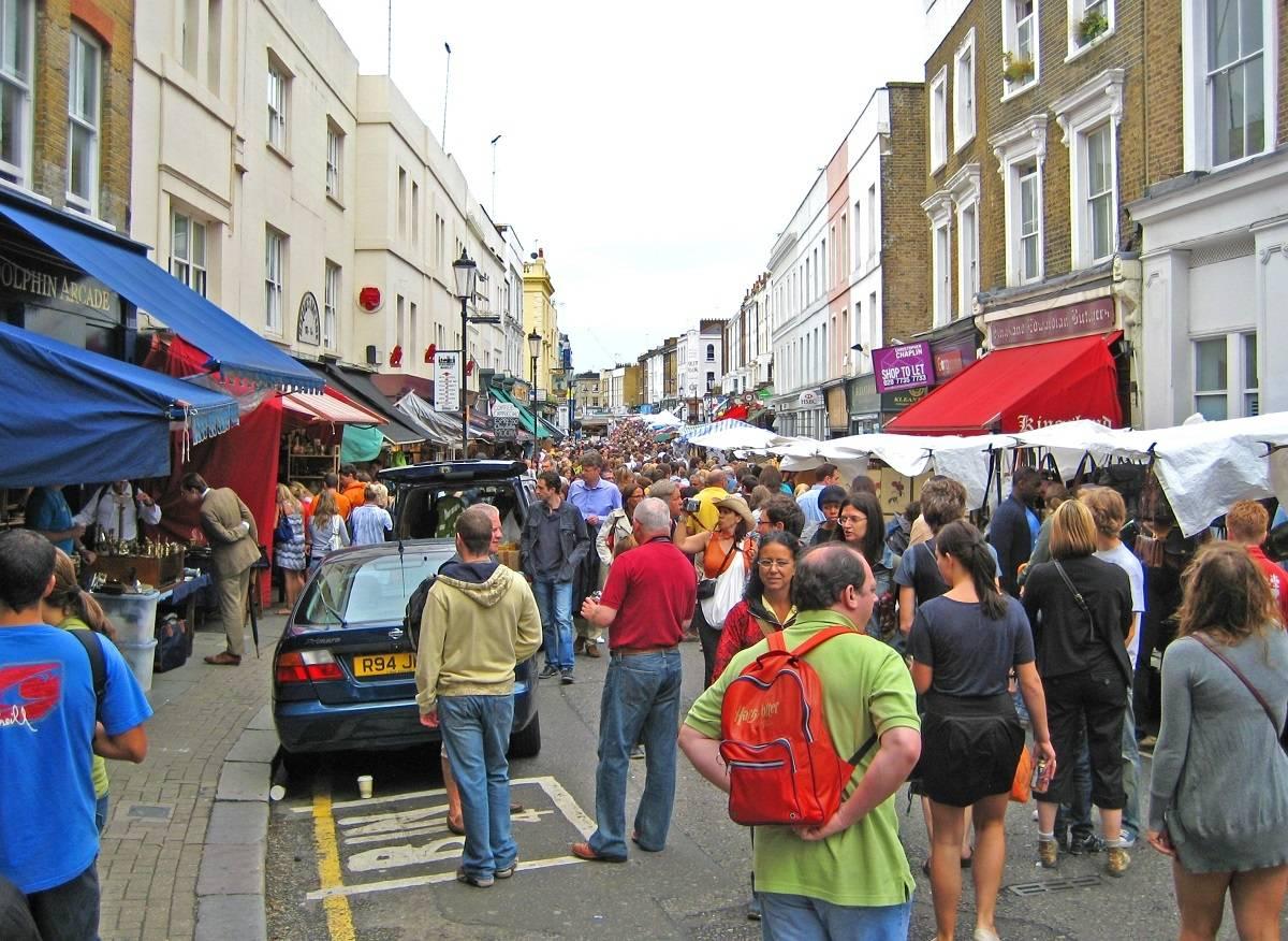 Zapraszamy na wycieczkę po Notting Hill, najbardziej barwnej dzielnicy Londynu [WIDEO]