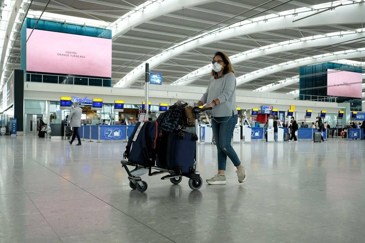 Od dzisiaj zmiany dla podróżnych. Przyjazd z jakich krajów zwalnia z kwarantanny w UK?