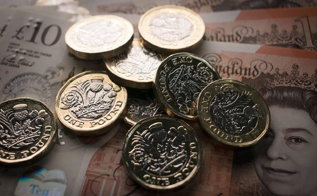 """Emeryci w UK stracili ponad miliard funtów w wyniku """"powtarzających się błędów ludzkich"""" w DWP"""