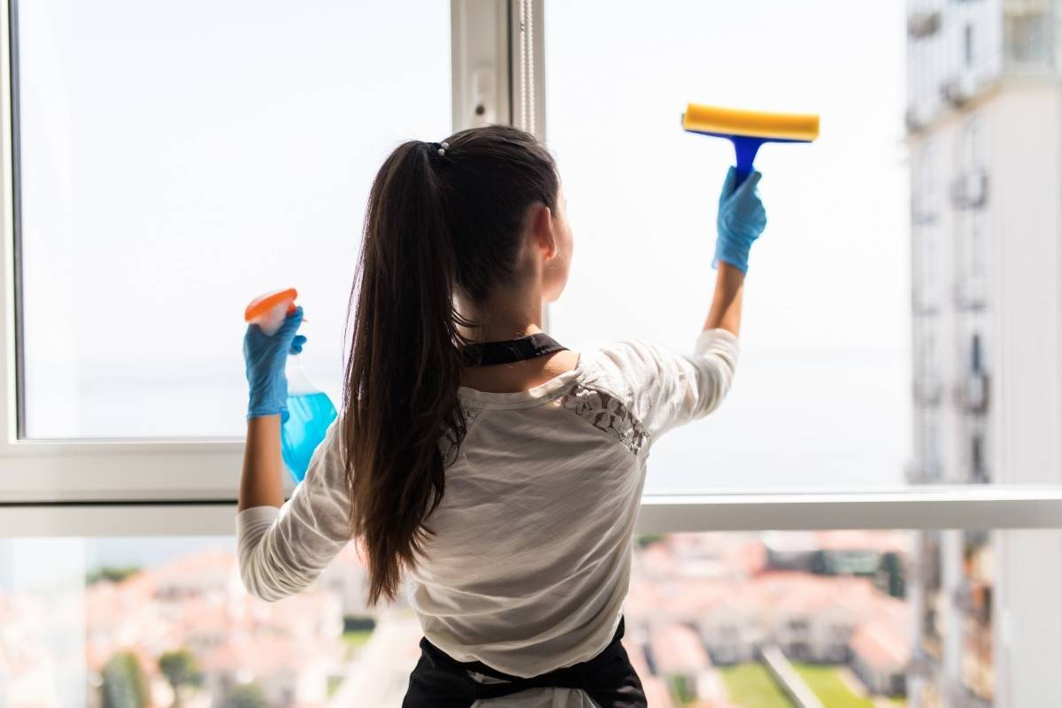 Kobiety w Wielkiej Brytanii nadal wykonują większość prac domowych
